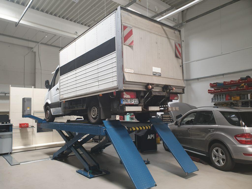 Kastenwagen Leicht LKW Achsvermessung